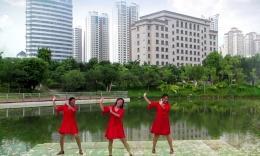 栁州彩虹健身队姊妹花广场舞 寄一片绿叶到草原  编舞 春英