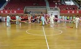 雍阳空竹俱乐,部参加8月8号全民健身日,在武清体育馆抖空竹.
