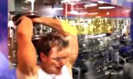 【豹哥健美】Rob Riches的大强度胸肌 三头训练日...